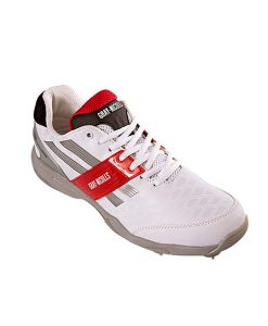 Gray-Nicolls-Predator3-cricket-spikes